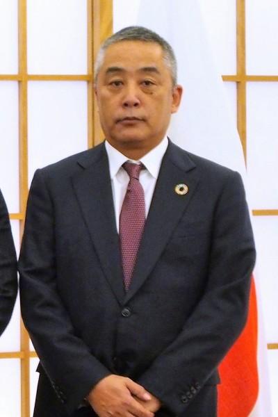 吉本 岡本